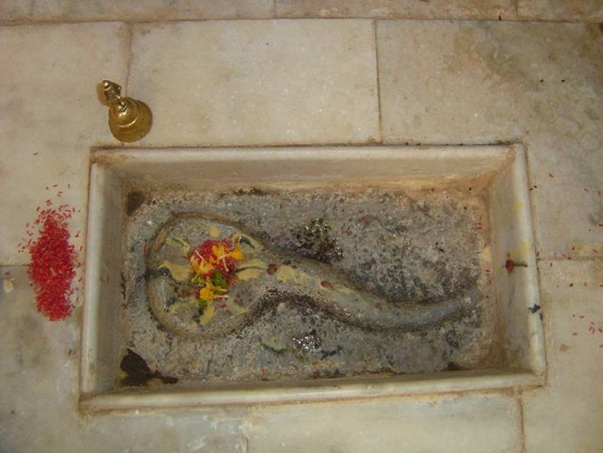 Jayatheertharu in the form of snake @ Yeragola