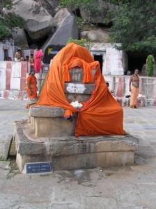 MadhwaYuvaParishat : Message: ARADHANE - SRI KAVEENDRA THEERTHARU ...