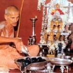 Vignananidhi doing abhisheka